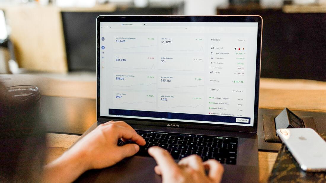 Keuntungan membuat website