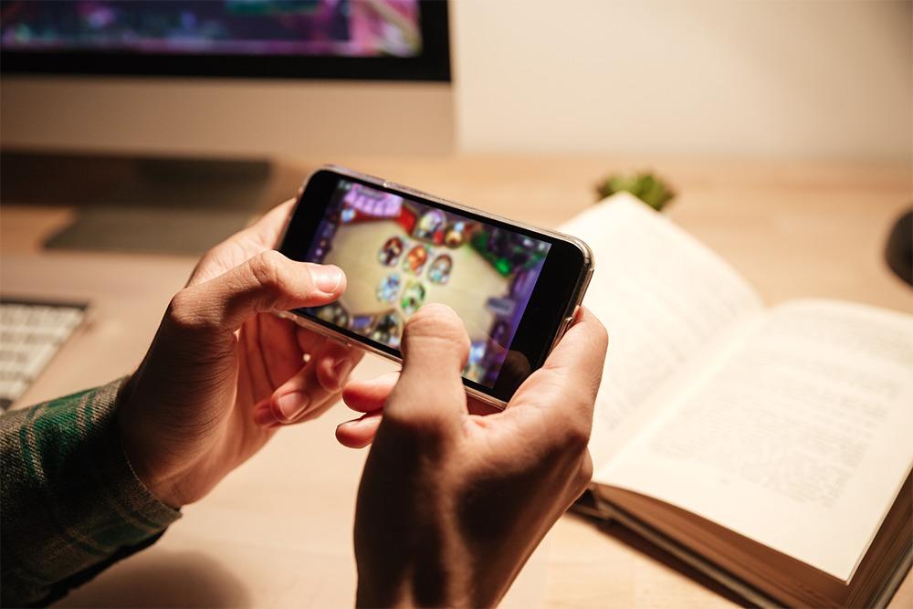 game-seluler